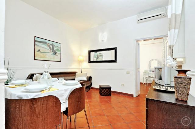 Navona Courtyard apartment Rome